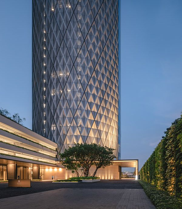 Banyan Tree Apartments: BANYAN TREE RIVERSIDE RESIDENCE