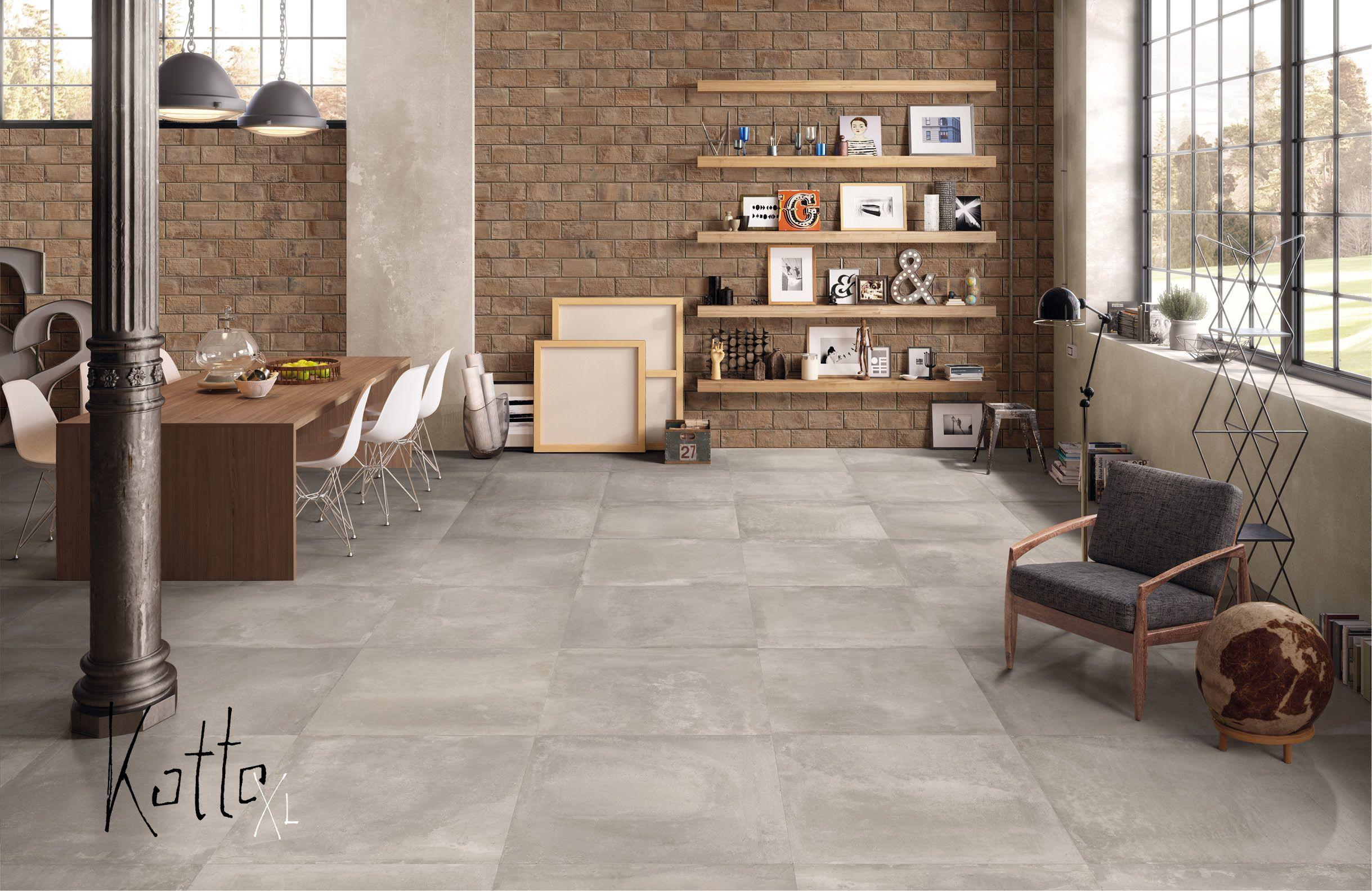 Tolle Farbnuancen am Boden kombiniert mit Naturstein Bricks an der Wand FLiesen mit Naturstein