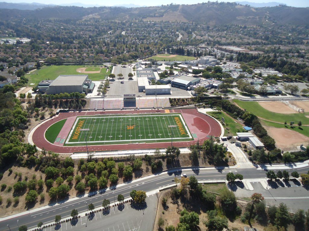 Moorpark High School Located In Moorpark California Is A Public High School In The Moorpark Unified School Distr Public High School Moorpark School District