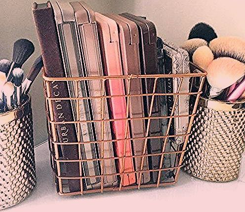 Photo of How To Organize Your Vanity Like A Beauty Junkie