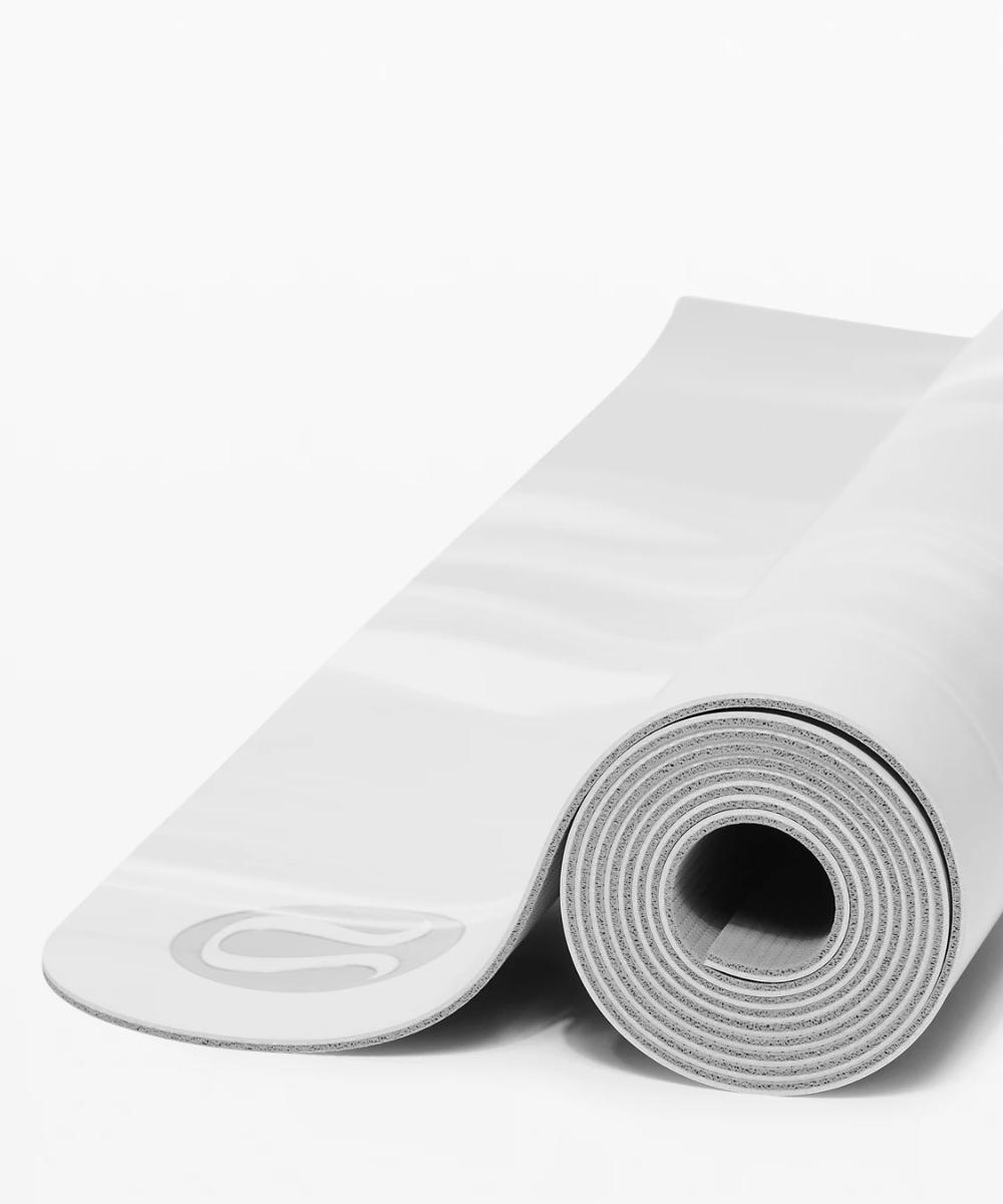 The Reversible Mat 3mm Women S Yoga Mats Lululemon In 2020 Yoga Women Lululemon Yoga Mat Yoga Mat