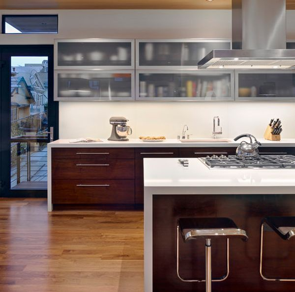 A Mix Of Functionality And Style In The Form Of Glass Kitchen ...