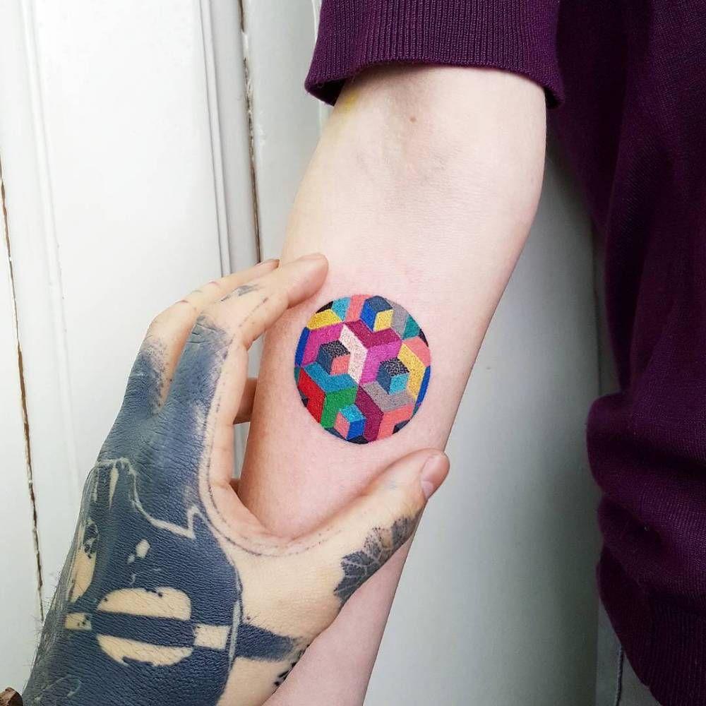 Geometric Circle 3 Cm Circle Tattoo Geometric Tattoo Color Circle Tattoos