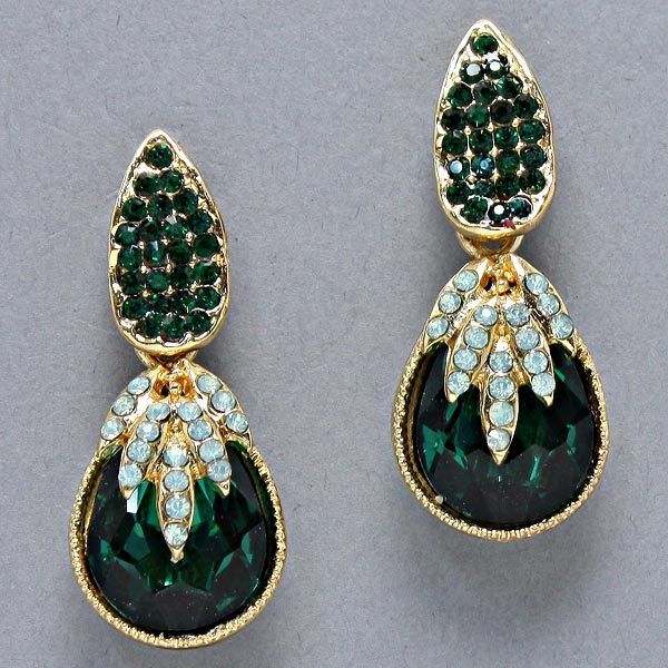 (http://www.uniklook.com/emerald-green-pineapple-teardrop-earrings/)