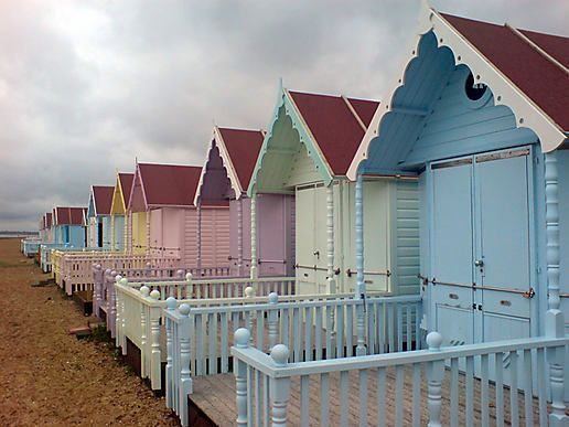 I have always wanted my very own beach hut. Maybe one day? Beach huts in Essex, England: summer, beach hut, blue, καλοκαίρι, παραλία, καλύβα, ξύλινο σπιτάκι, stripes, pastel