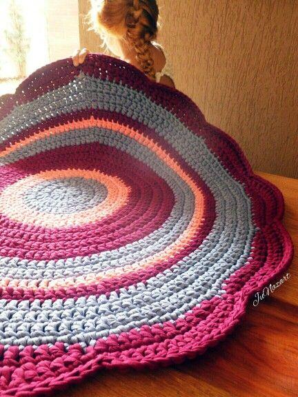 Tapete de croche com malha em flor  / trapillo crochet ganchillo