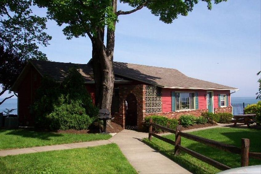 cottage vacation rental in madison on the lake from vrbo com rh pinterest ca cottages on lake erie in ohio cottages on lake erie for sale