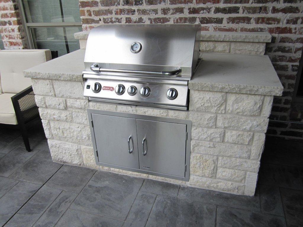 Stone Outdoor Kitchens In Dallas Tx Custom Stone Work Outdoor Kitchen Outdoor Kitchen Countertops Outdoor Countertop