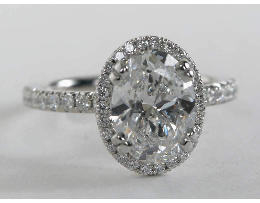 Blue Nile Oval Cut Heiress Halo Diamond Engagement Ring in Platinum (1/2 ct. tw.) GfWJxeAL