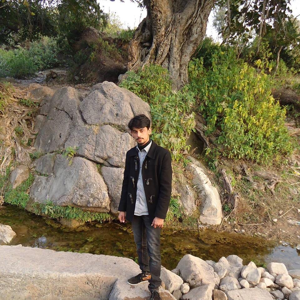 https://www.facebook.com/photo.php?fbid=1623147481274894