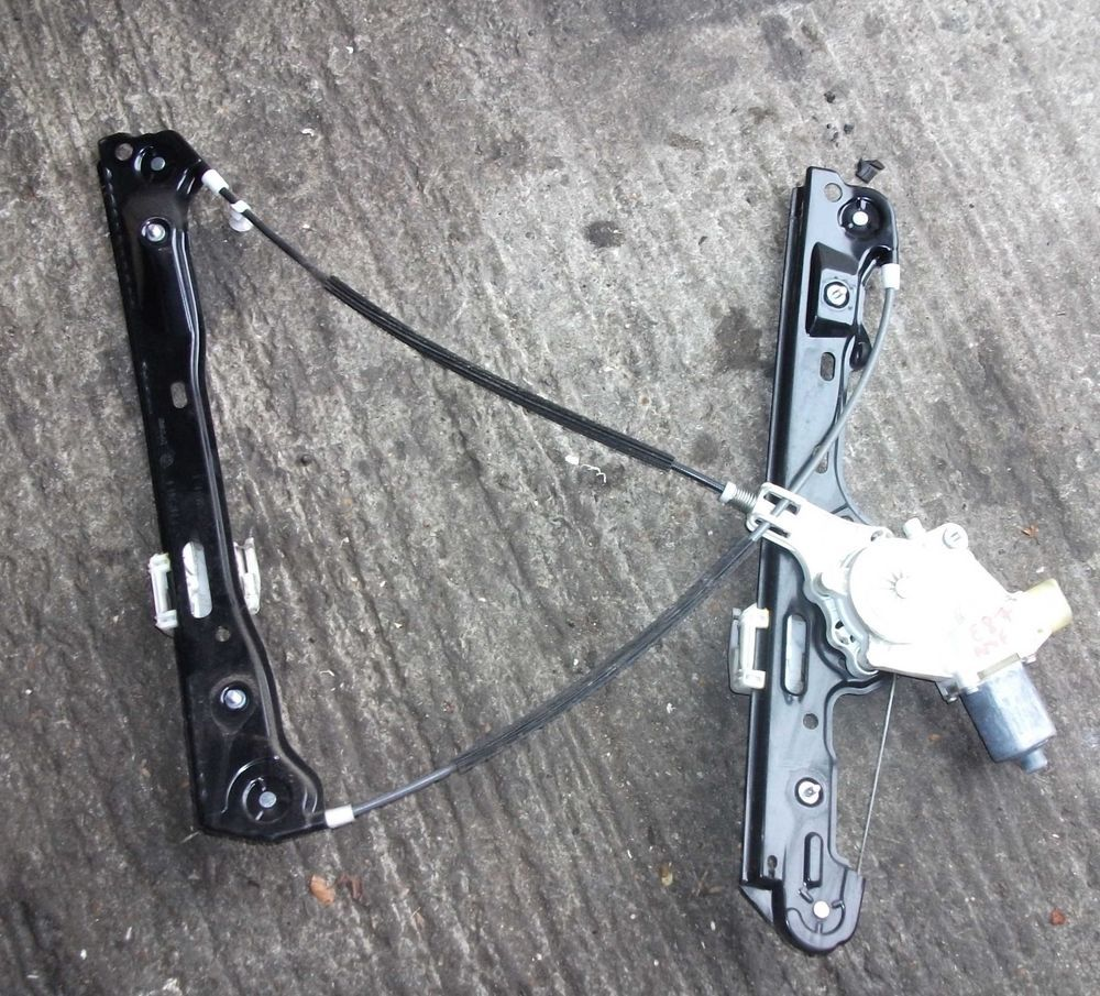 Bmw E87 1 Series 5 Door Left Nearside Front Window Regulator C W