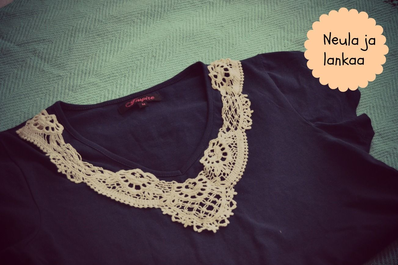 Santun Maja: Add lace collar to your basic t-shirt! :)