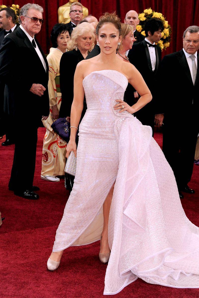 jennifer lopez red carpet dresses | Jennifer Lopez red carpet style ...