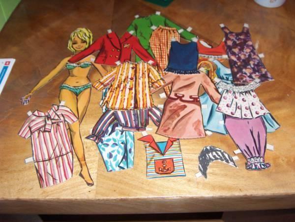 påklædningsdukke med masser af tøj