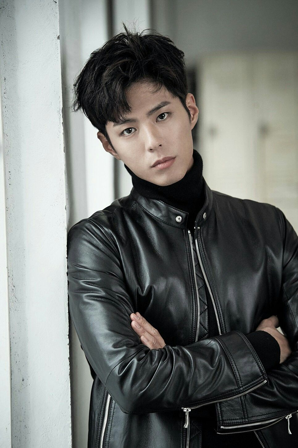Park Bo Gum looking fuckin' sexy in that black leather jacket.