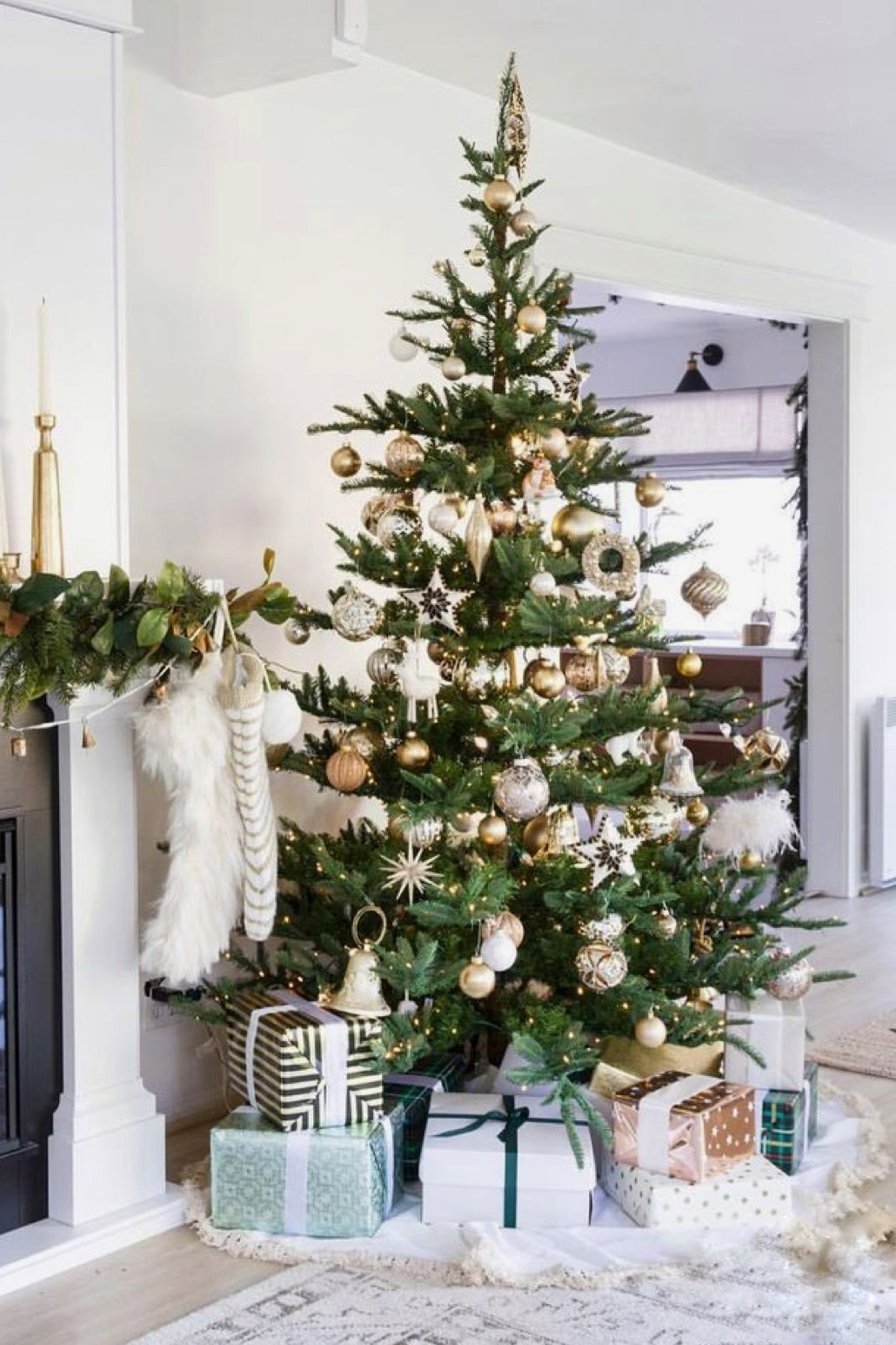 15 Best Decorated Christmas Trees On The Internet Chrissy Marie Blog Blog Chrissy Christmas Decor In 2020 Christmas Tree Blue Christmas Tree Christmas Tree Themes