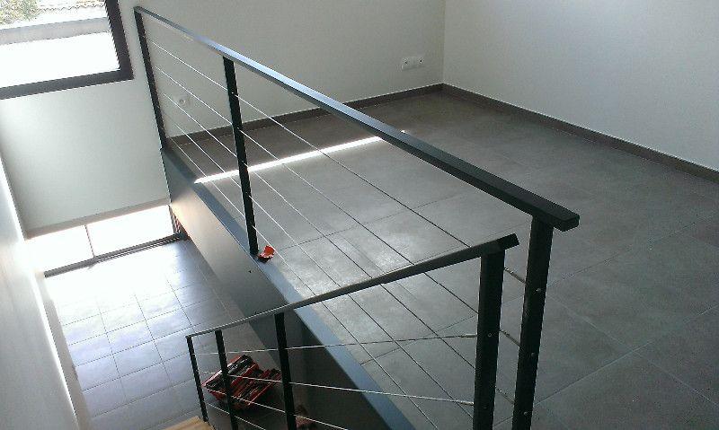 Fabricant Etude Fabrication Et Installation D Escalier Droit Design En Acier Compose De Deux Limons Exterieur Marche Escalier Droit Marches En Bois Escalier