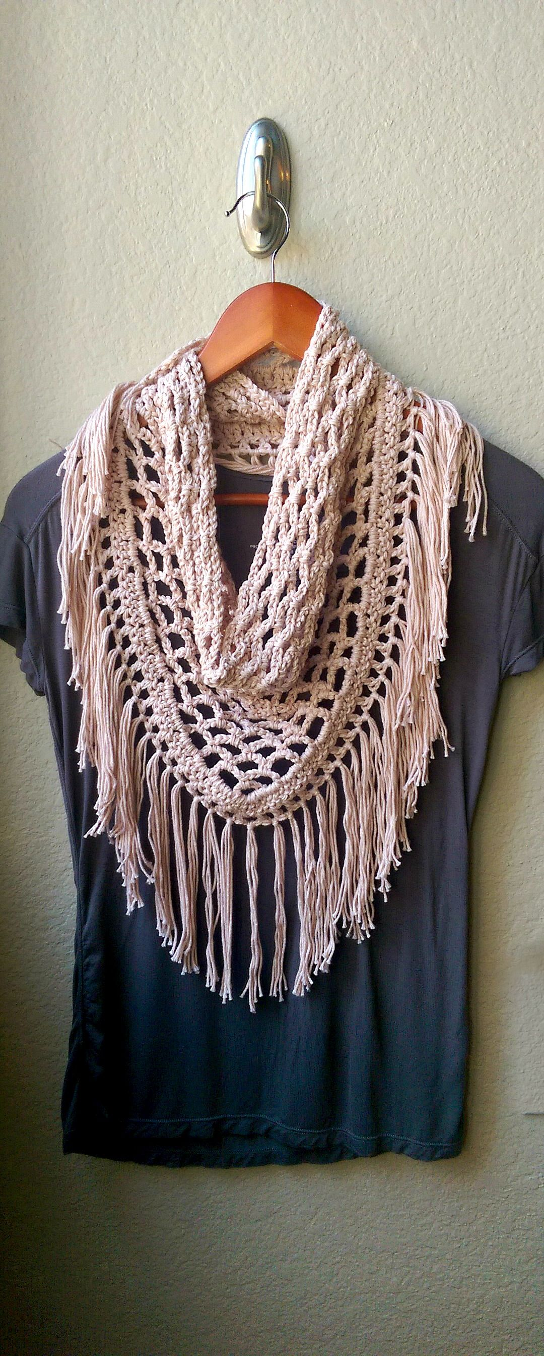 Light crochet fringe scarf pattern triangle mesh crocheted scarf light crochet fringe scarf pattern triangle mesh crocheted scarf bankloansurffo Gallery
