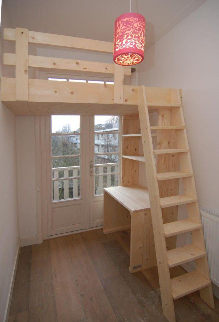 Hoogslaper / Videbed van nieuw steigerhout met bureau en boekenkast ...