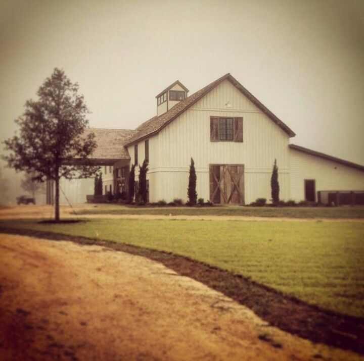 The Barn at Bridlewood looks amazing at dawn! A wedding ...