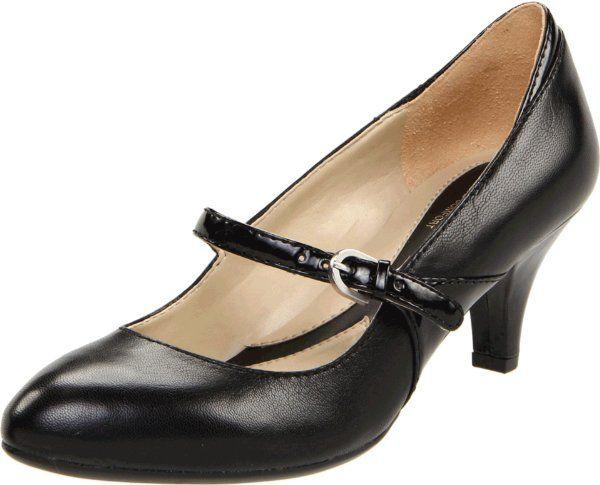 d9f2d2fc1922 Flight attendant shoes!!