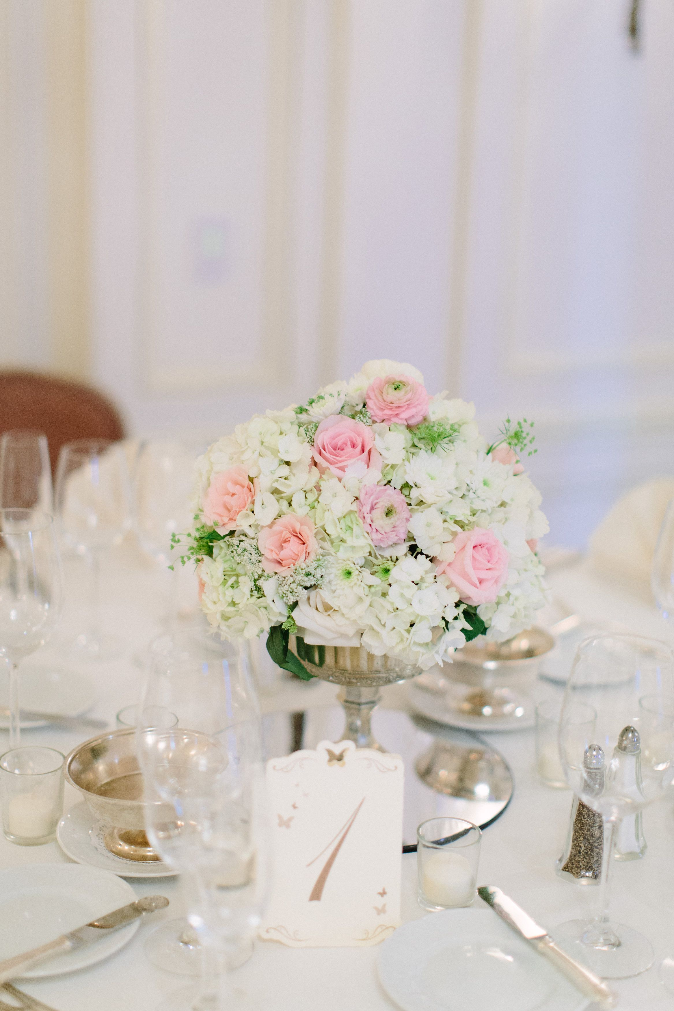 Westgate San Diego, this elegant compote centerpiece in ivory and ...