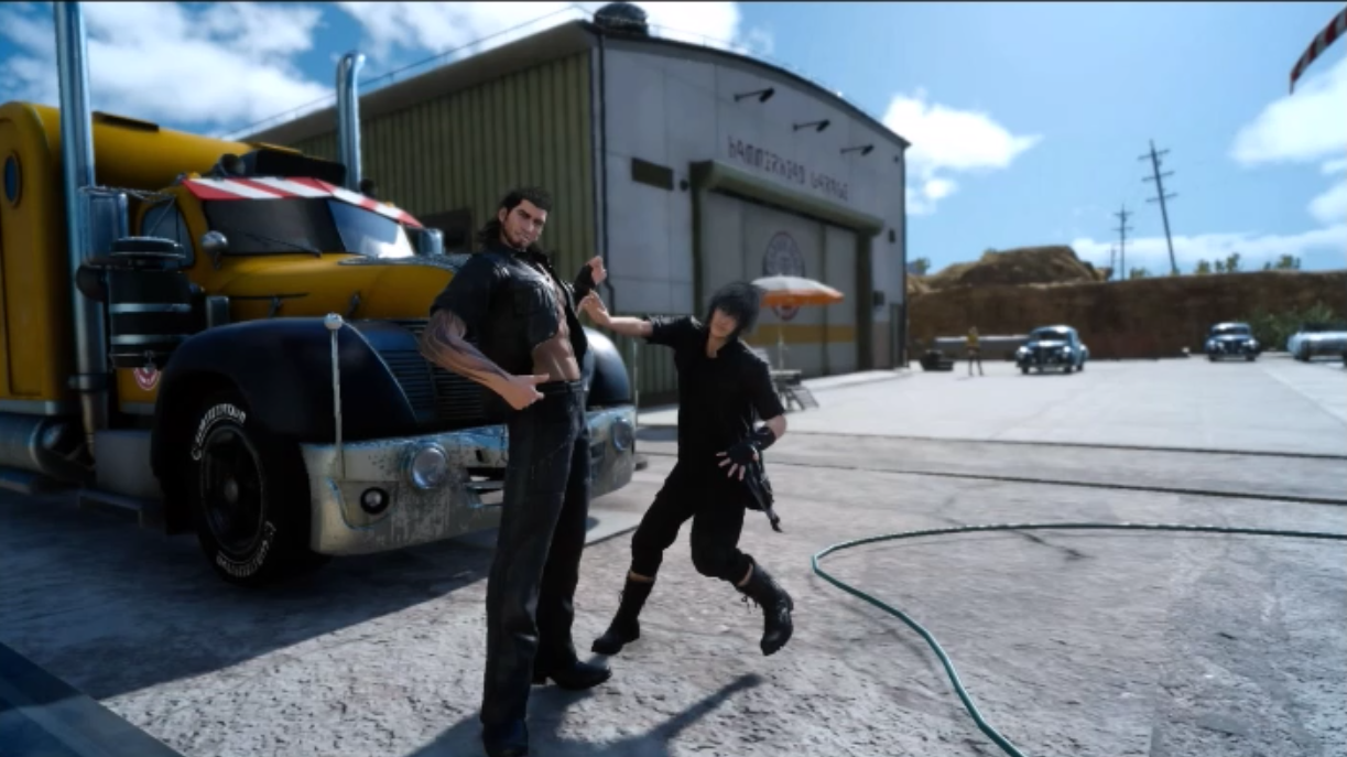 Noctis showing the totally not exaggerated length of Gladio's 'Greatsword'