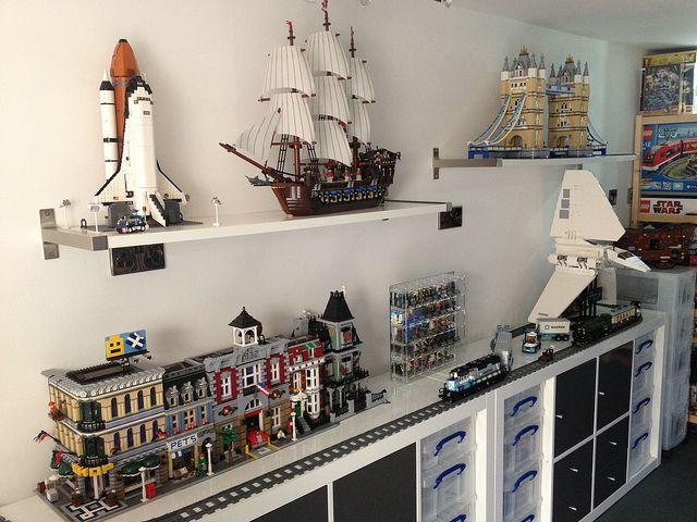 LEGO Week Display Lego display, Lego room, Lego bedroom