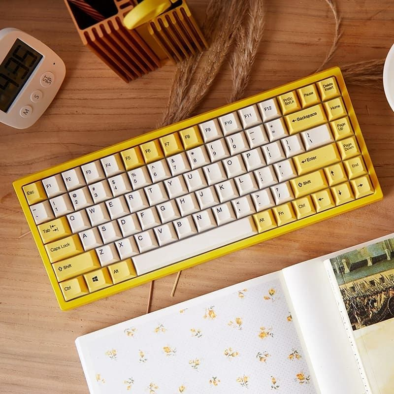 Crafting Keyboards Craftingkeyboard On Instagram Daffodil Ck84 Mechanical Keyboard With Its Lovely Appearance And Fin Laptop Keyboard Keyboard Keyboards