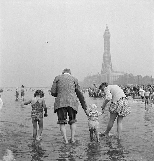 History Timings Attractions Beach: Family Paddling In The Sea At Blackpool, 1949
