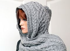 "Ravelry: Hooded scarf ""Anika"" pattern by Rita Maassen"