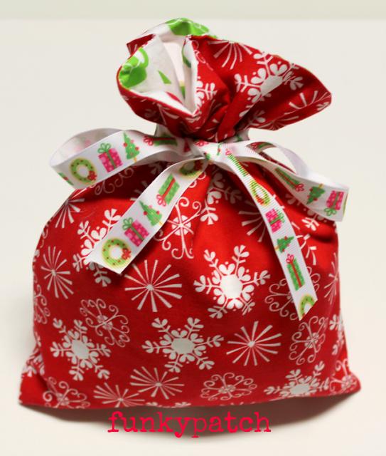 Patchwork De Funkypatch Tutorial Bolsa De Tela Para Regalar Bolsas De Regalo De Tela Bolsa De Dulces Navidad Bolsa De Tela