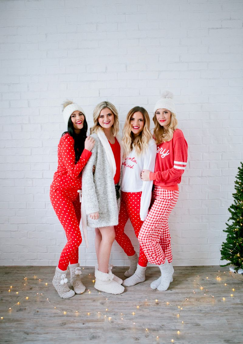 Christmas Pajamas Photoshoot.Pajama Ideas For Christmas My Favorite Things Giveaway