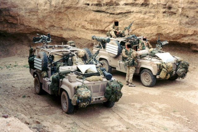 Spec Ops-Delta Forces,Scud hunters... (With images) | Land rover ...