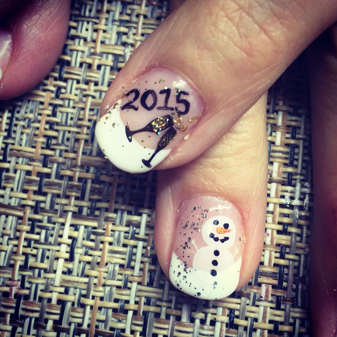 Christmas into New Year\'s Day nails . 2015 champagne nail art ...