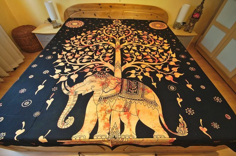 indische tagesdecke wandbehang lebensbaum mit elefant orange 200 x 230cm in m bel wohnen. Black Bedroom Furniture Sets. Home Design Ideas