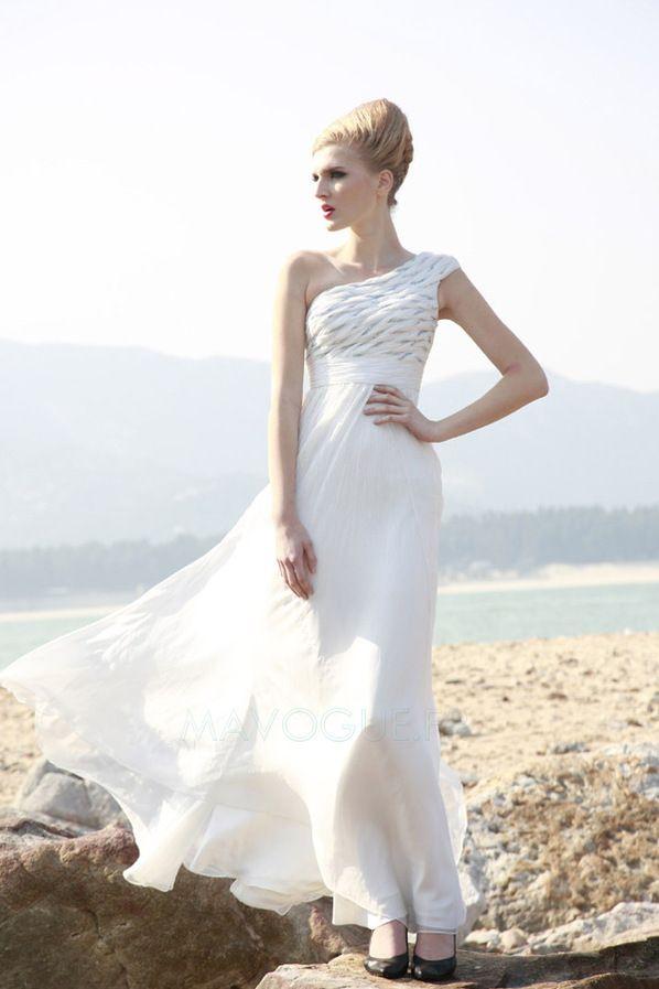 Robe de mariee epaule asymetrique