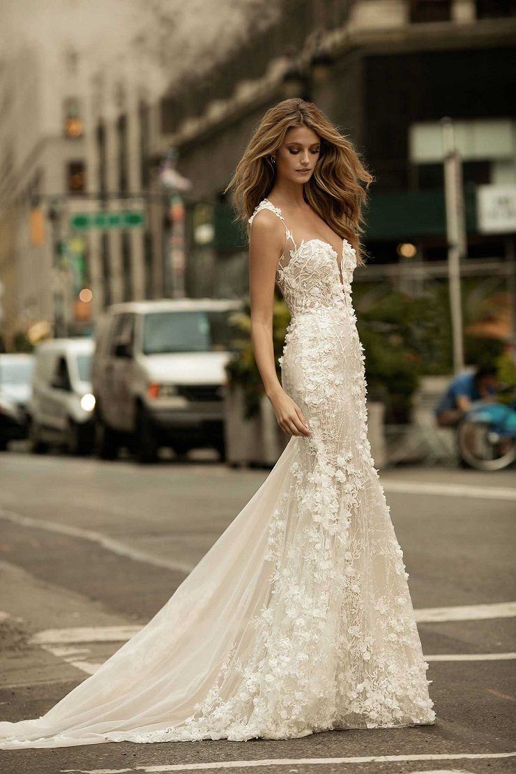 beautiful wedding dress #weddingdress #weddinggown #bridalgown #bridaldress