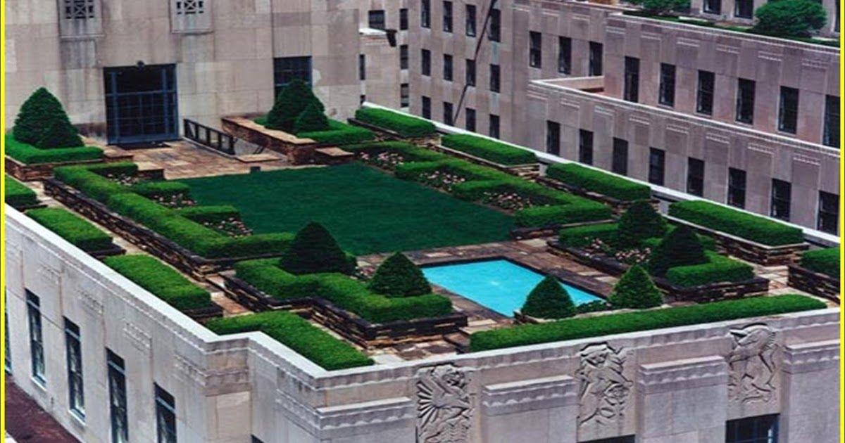 Pin By الدولية لأنظمة كاميرات المراقب On زراعة الأسطح House Styles Swimming Pools Mansions