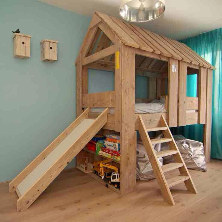 Simple Treehouse With Slide Lit Enfant Original Idee Chambre