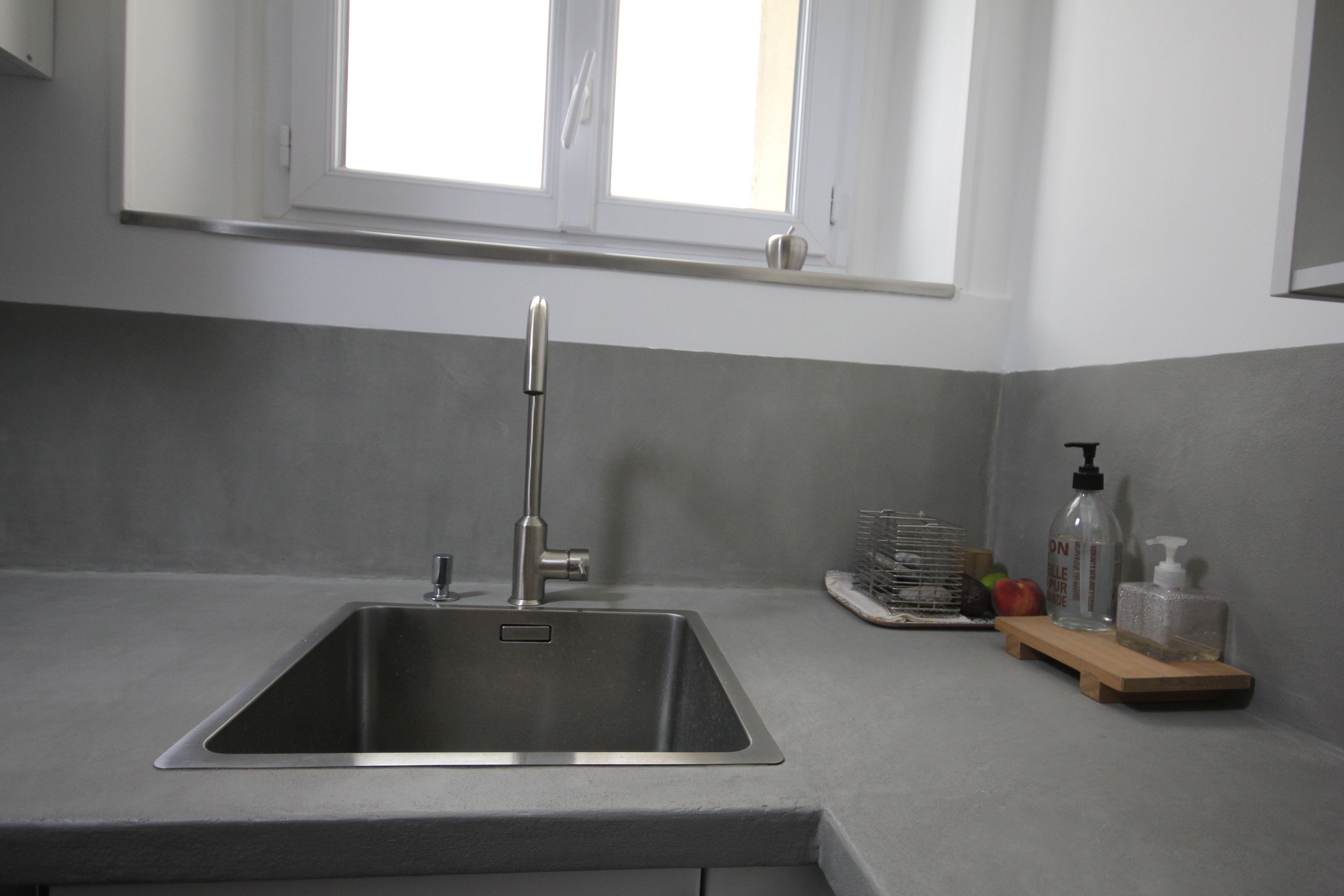 plan de travail et credence en beton cire gris flanelle evier inox satine design worktop and backsplash in gre decoration maison plan de travail deco maison