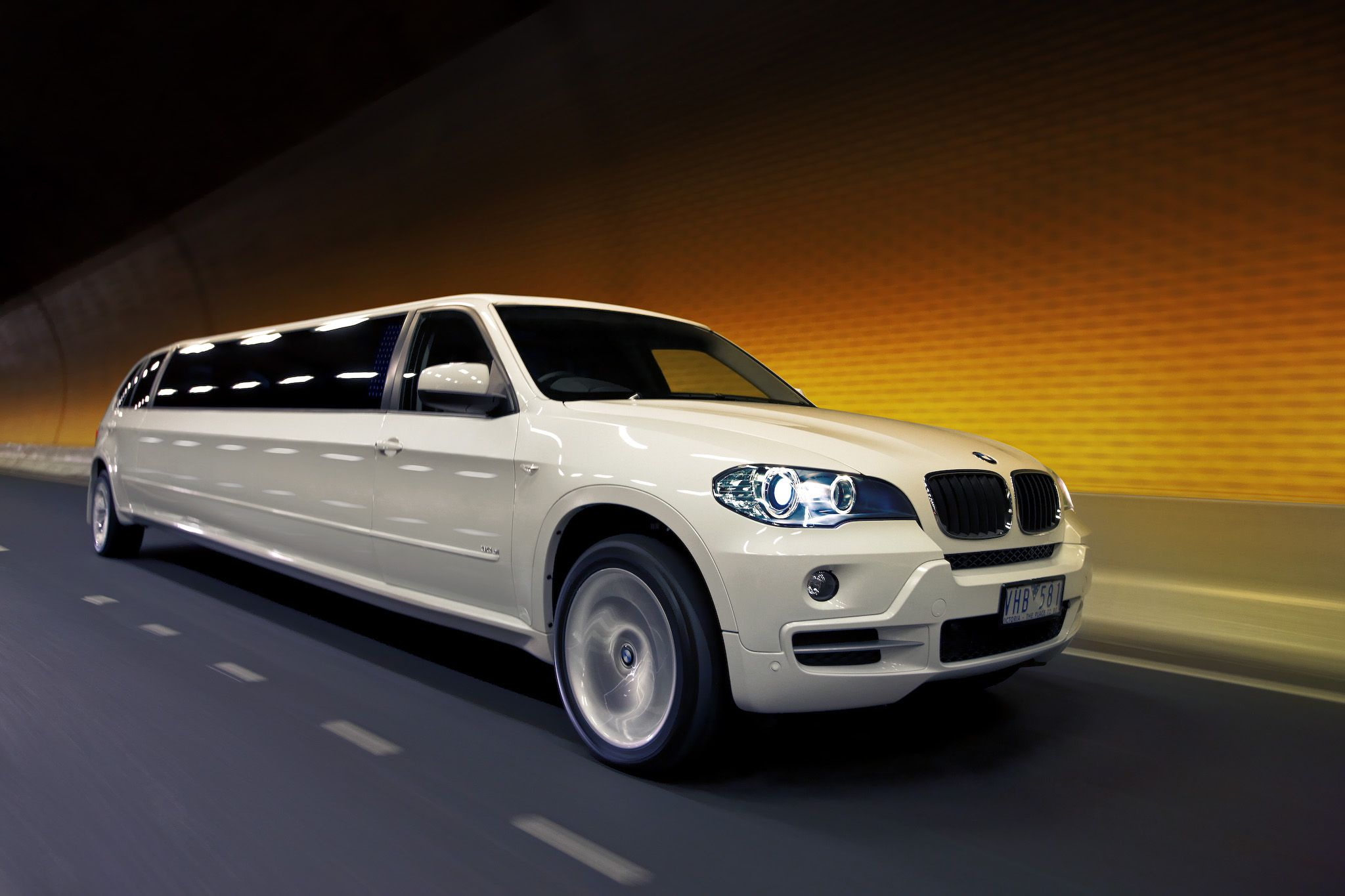 Wow limousines find it at http www myweddingconcierge com