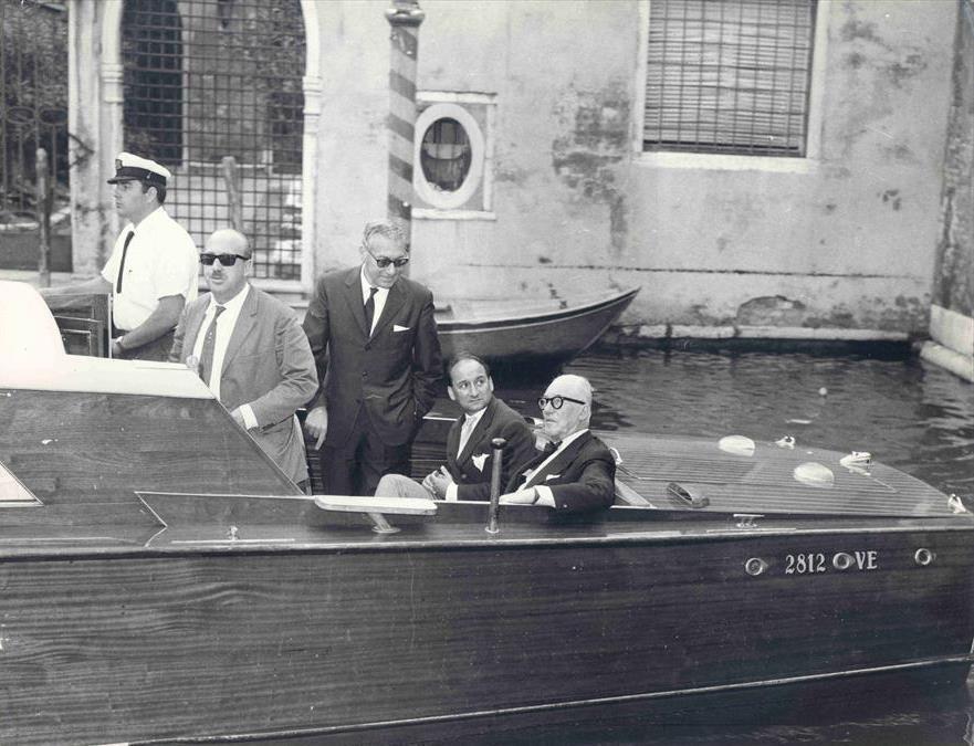 Le Corbusier con Giuseppe Mazzariol e Carlo Ottolenghi en Venezia, 1963