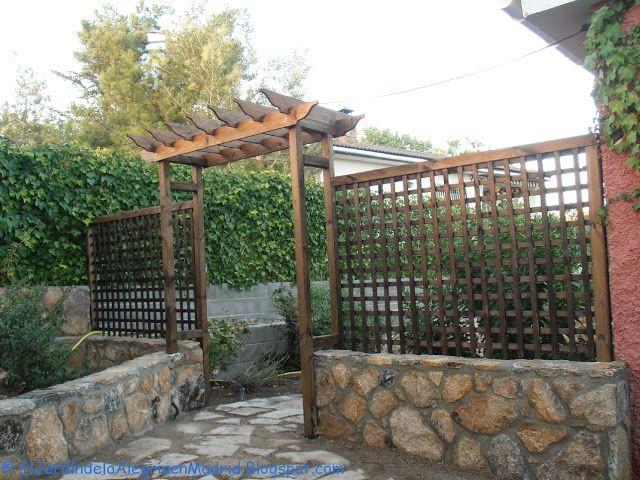 El jard n de la alegr a constru mos un arco de madera for El jardin de la alegria cordoba