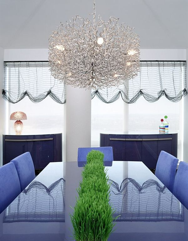 Incroyable Room · Elegant Dining Table With Crystal Chandelier