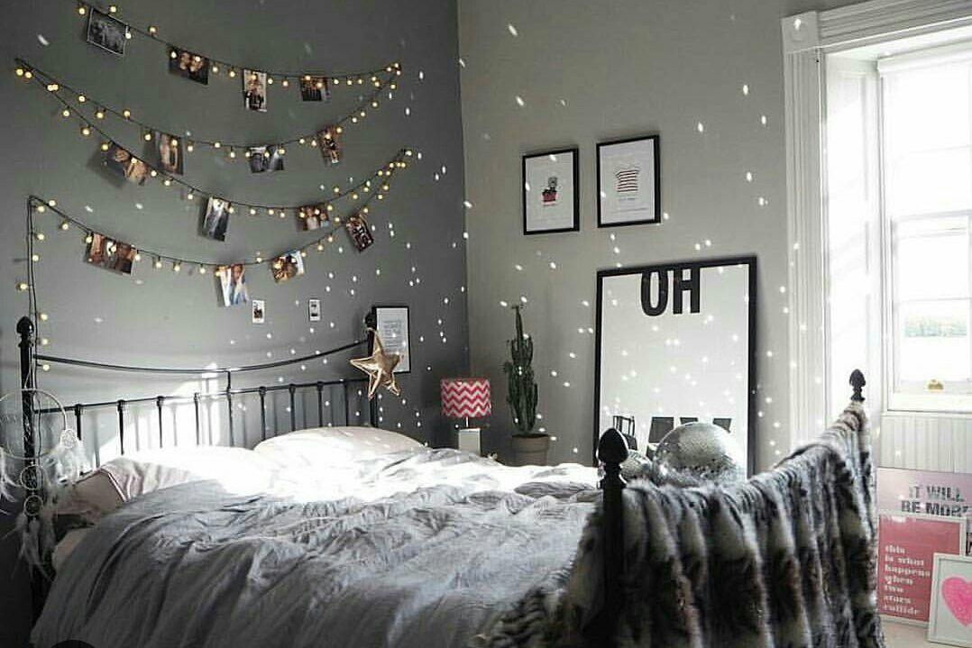 Pin De Misa Etom En Eve S B Decoraciones De Dormitorio Decoraciones De Interiores Dormitorios Decoración Navideña Para La Habitación