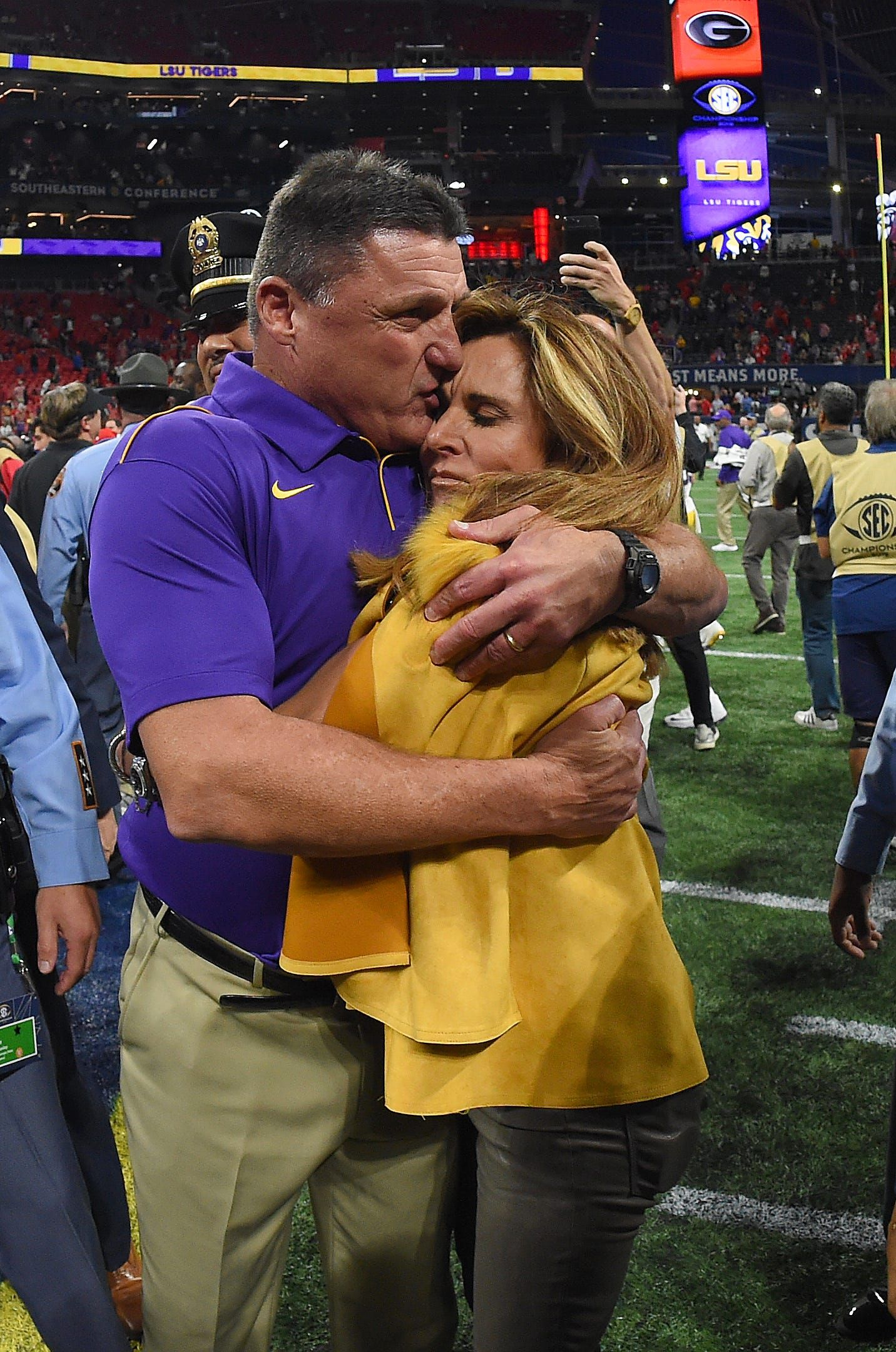 Lsu Football Coach Ed Orgeron And His Wife Kelly Are Divorcing In 2020 Lsu Football Football Coach Lsu