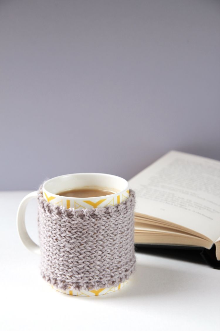 HOW TO MAKE A KNITTED MUG COSY. | Cozy, Knit crochet and Knitting ...
