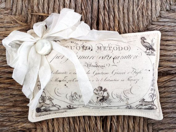 FREE SHIPPING Beautiful Lavender Sachet Featuring Antique French Graphics (5)