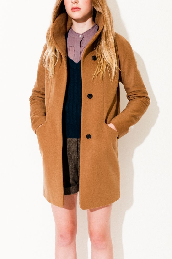 Aritzia cocoon coat, made from an Italian cashmere and wool blend, is a  flattering